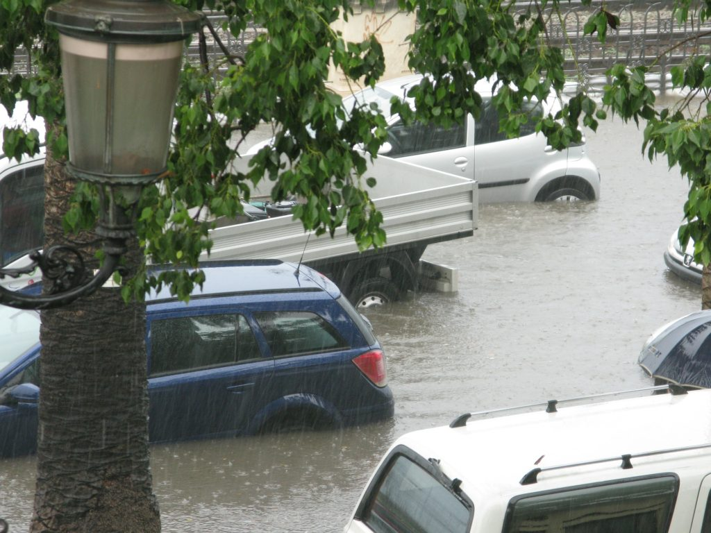 Buying Flooded or Salvaged Cars Mesa - get checked out by car repair shop in advance!